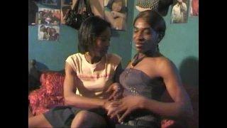 Grosse salope tranny transexuelle africaine black