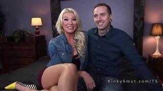 Tranny anal fucks her tattooed date