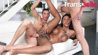 Trans Bella – Father And Son Fuck Ebony Tranny In The Butt Till She Cums