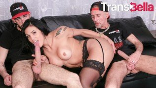 Trans Bella – Gorgeous Tranny Getting Her Ass Fucked By Two Cocks