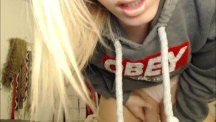 Young tranny teasing on cam